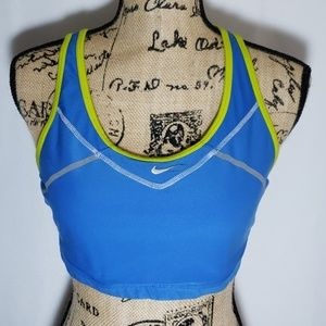 NIKE , Womans Athletic Sports Bra, Crop Tank